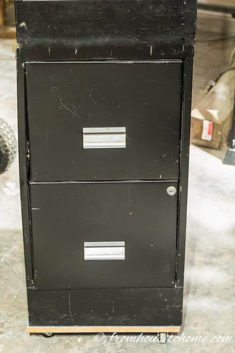 Filing Cabinet on wheels