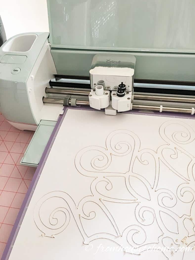 Cricut Explore Air 2 cutting the DIY ceiling medallion pattern