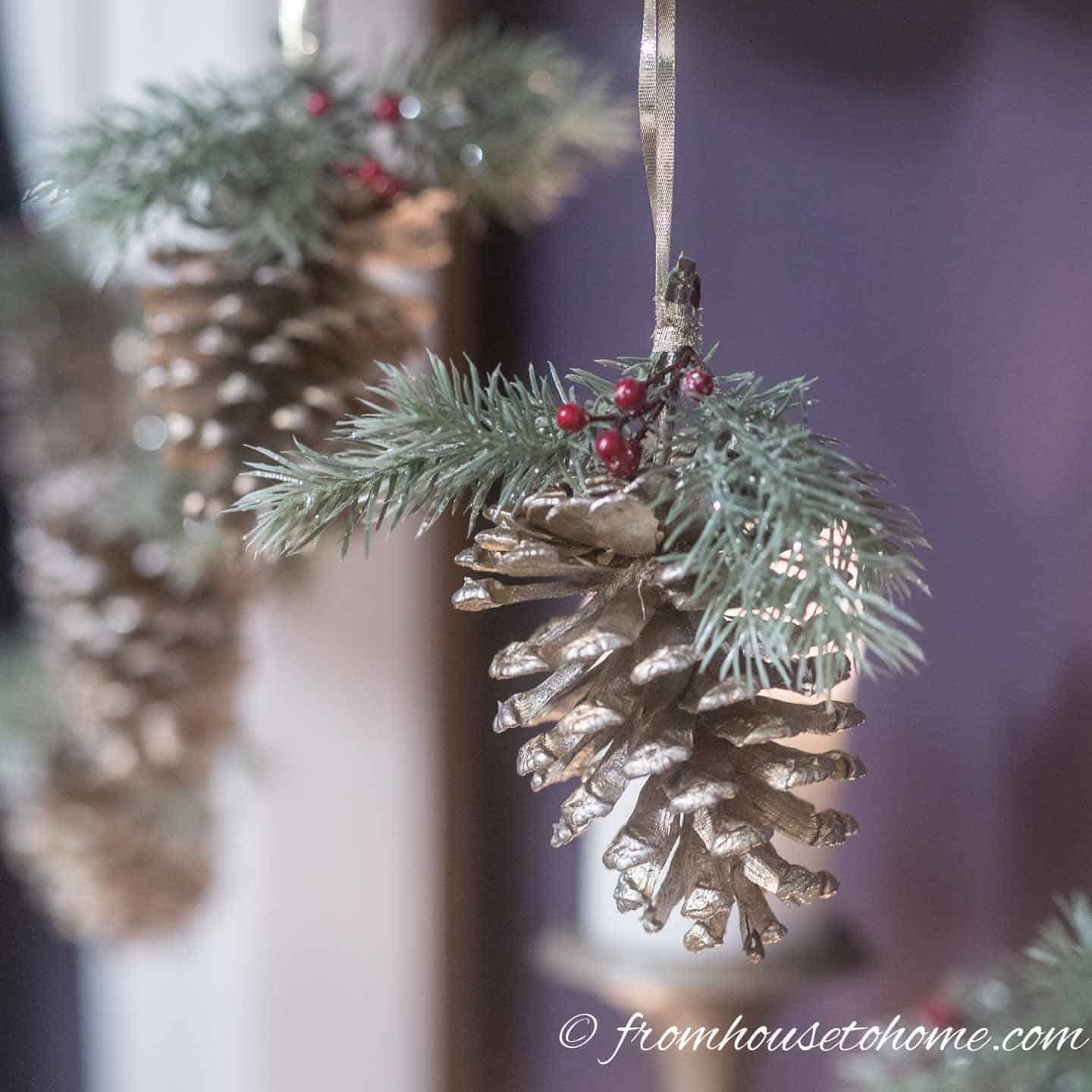 Really Easy Pine Cone DIY Christmas Ornament (and 30 ...