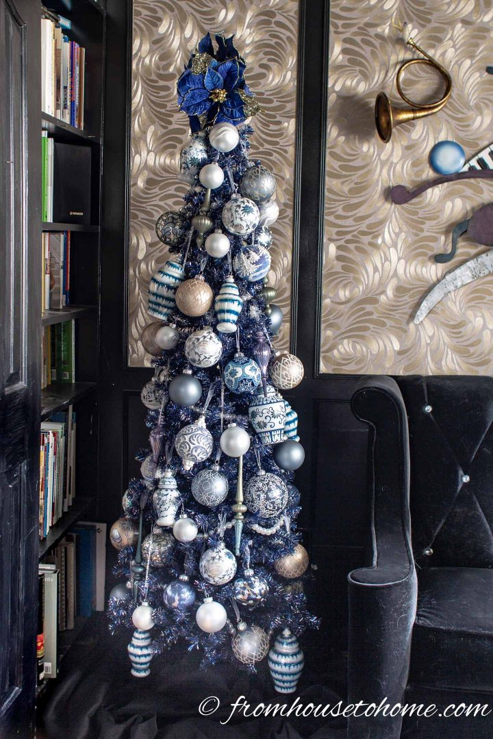 Beautiful Blue Christmas Tree Decorations (and 20+ Other