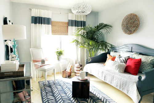 Daybed in a small bedroom