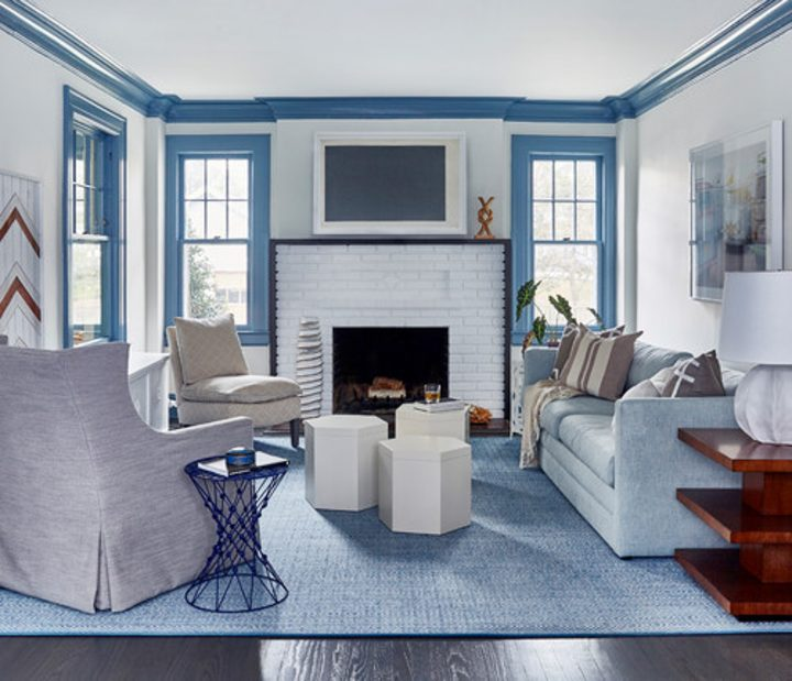 Living room white white walls and blue trim
