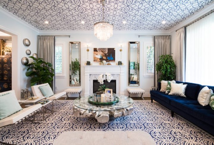 Blue and white living room with wallpaper on the ceiling