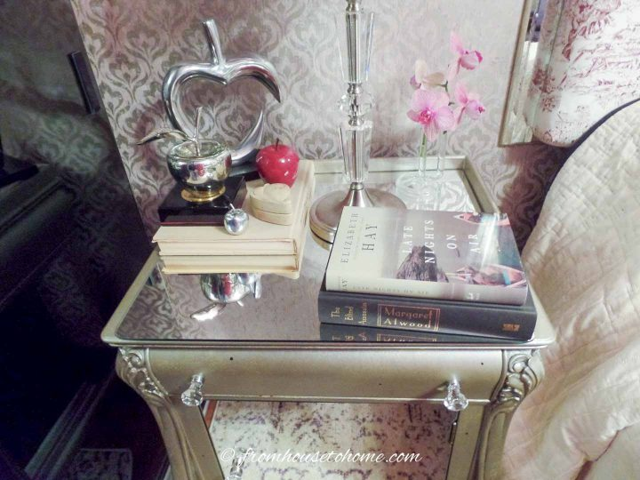 DIY mirror bedside table