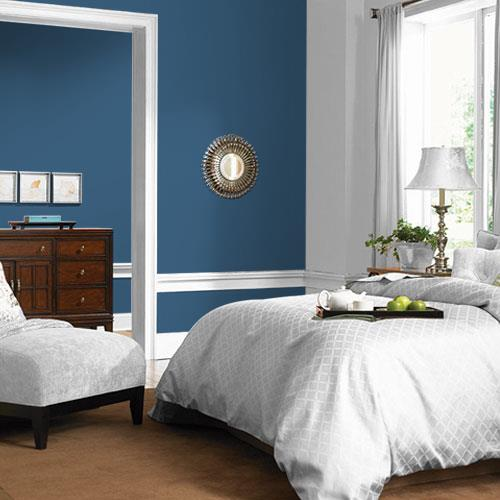 Bedroom painted with PPG 2020 color of the year 'Chinese Porcelain'