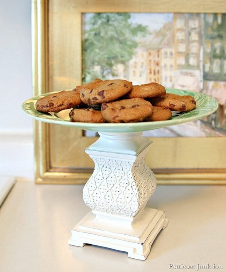 DIY cookie stand from Petticoat Junktion