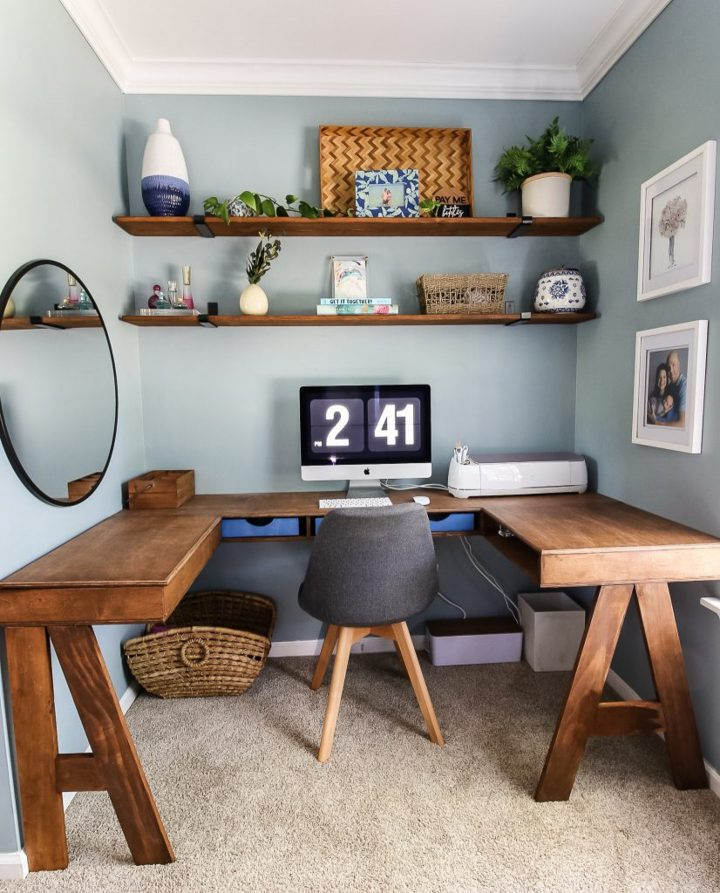 U-shaped desk in a small bedroom nook home office